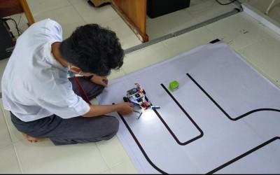 Tim Robotik MAN 3 Palembang Ikut Kompetisi Kembangkan Robot Prokes Cegah Covid-19